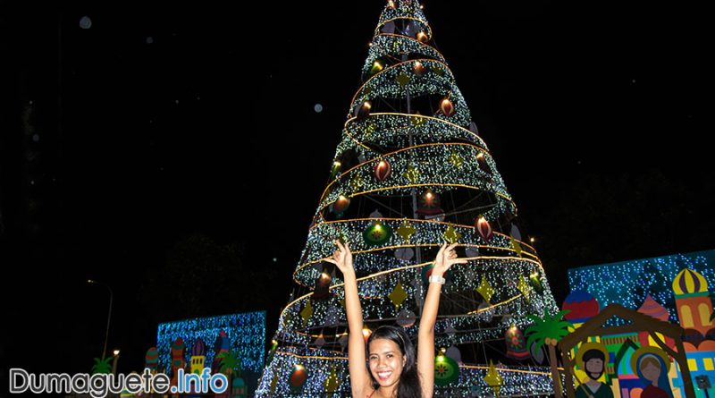 Christmas in Negros Oriental - Dumaguete Tree - Quezon Park