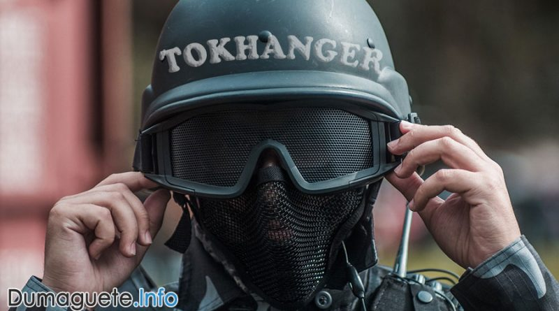 'TokHangers' Training for Cops
