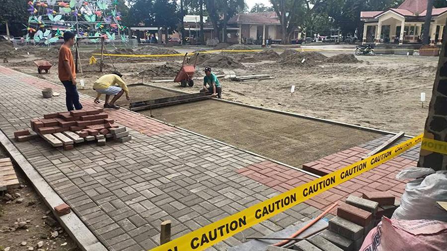 Dumaguete City - Quezon Park - Bricks Construction