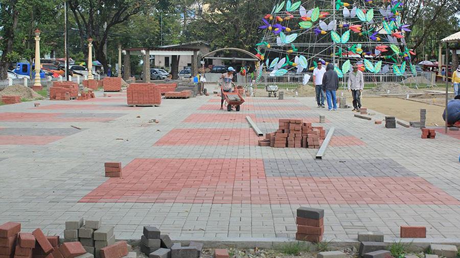 Dumaguete City - Quezon Park - Bricks of Old Glory